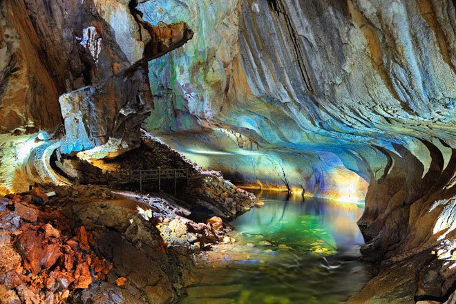 Khám phá vườn quốc gia Gunung Mulu kỳ thú