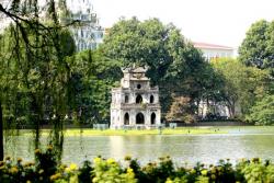 kham-pha-ha-noi-voi-nhung-hanh-trinh-bay-sieu-re-1499757486.jpg